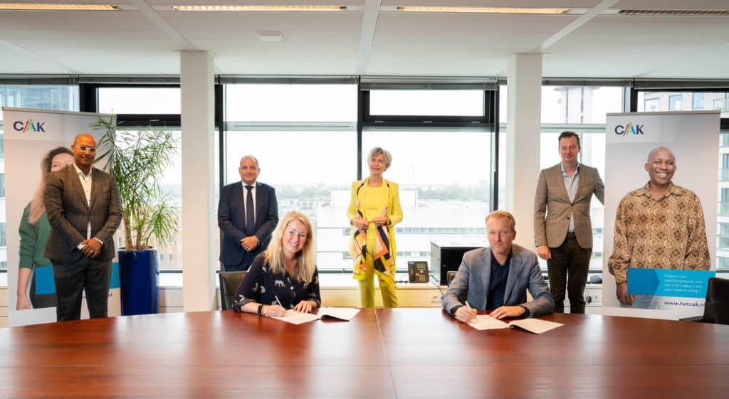 Nederlandse Schuldhulproute werkt samen met CAK aan schuldzorgen